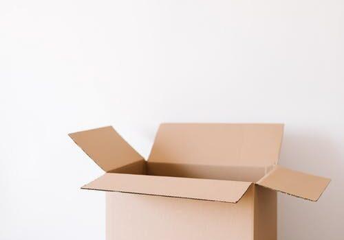 living-empty-box